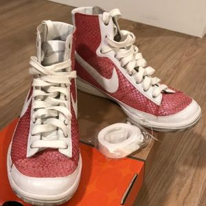 Nike Shoes - Dead Stock LTD Edition Nike zoom blazer fish skin